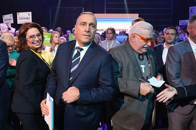 Małgorzata Kidawa-Błońska, Grzegorz Schetyna i Lech Wałęsa na konwencji wyborczej Koalicji Obywatelskiej.