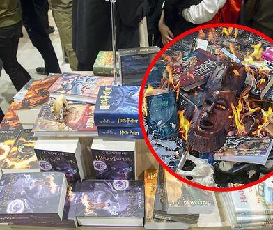 Książki o Harrym Potterze spłonęły przed kościołem
