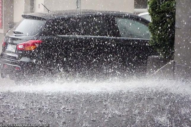 IMGW wydał na czwartek ostrzeżenia przed burzami z gradem dla całego kraju