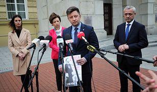 Ministrowie z rządu PiS bronią Łukasza Szumowskiego. Uderzają w Rafała Trzaskowskiego
