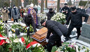 Zarzucali biskupowi cmentarny wyzysk. Teraz piszą ustawę, która ograniczy opłaty dla Kościoła