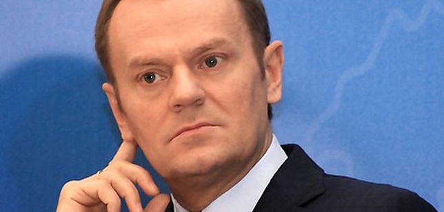 Premier daje urzędnikom podwyżki