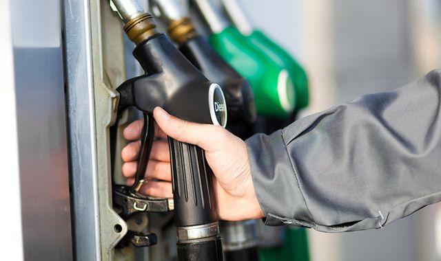 Dystrybutory stacji paliw poza kontrolą