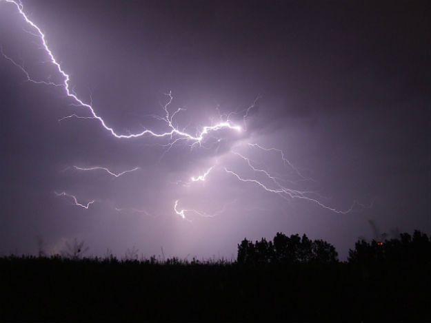 Ostrzeżenie przed burzami i gradem w Małopolsce