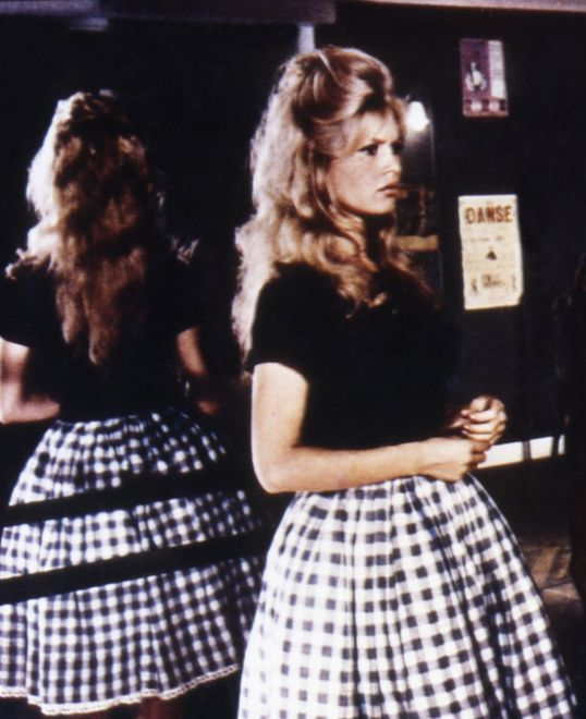 Kratka vichy w stylu Brigitte Bardot