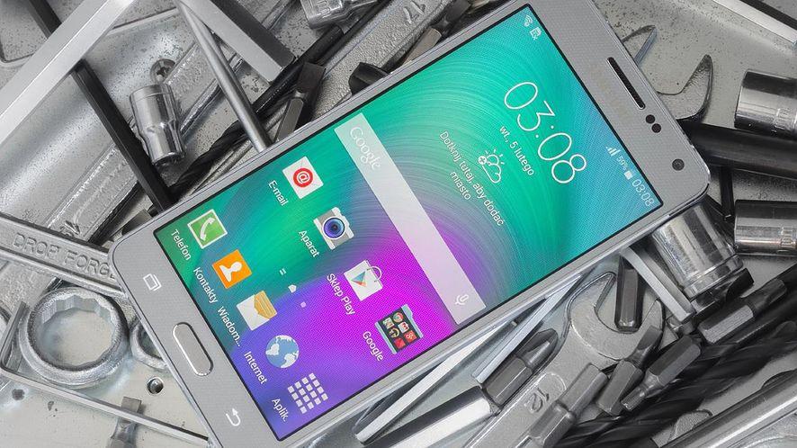 Samsung z nową strategią – zmiany dotkną smartfony ze średniej półki