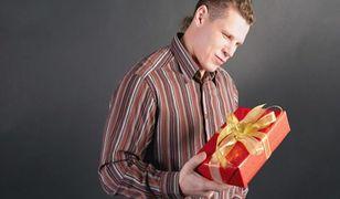 Przed wyborem idealnego prezentu dla chłopaka pomyśl o zainteresowaniach i poczuciu humoru ukochanego