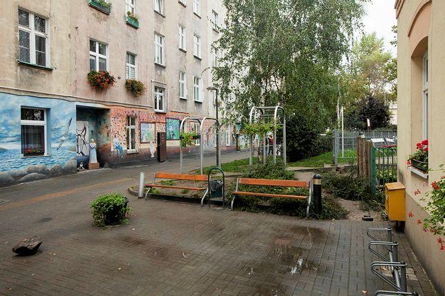 Wrocław. Nie żyje pobity Rom. Miał połamane nogi i miednicę