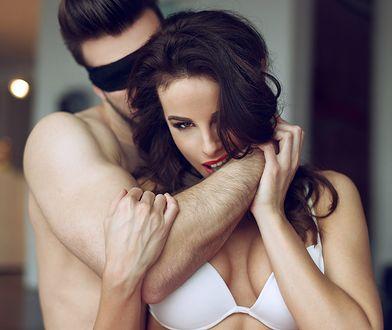 Skarpetki dla lepszego orgazmu? Zdziwisz się, co działa na niektóre kobiety