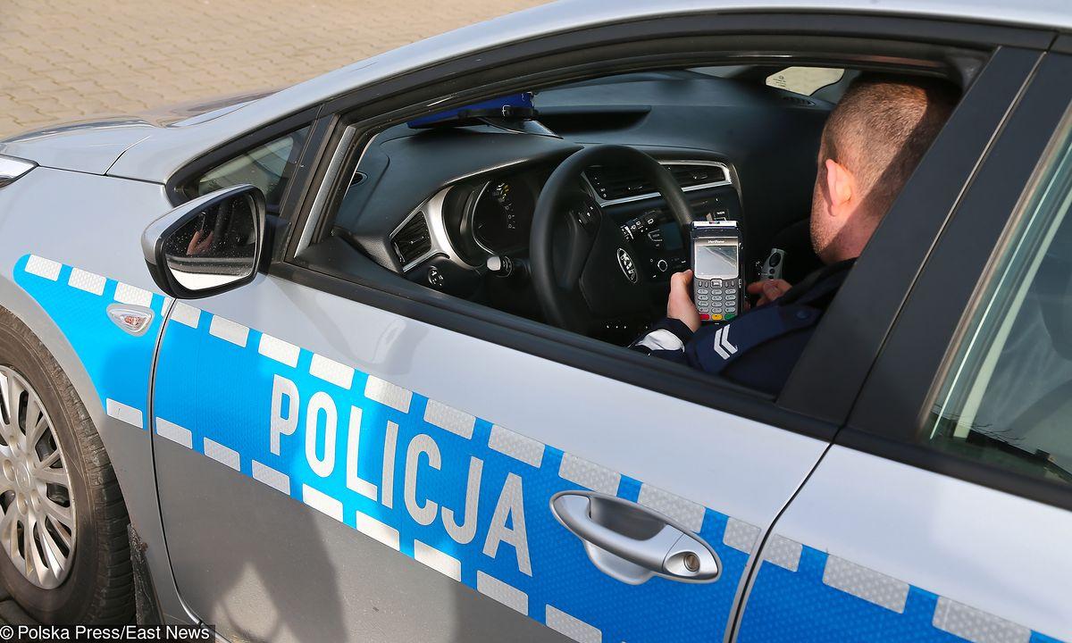 Kierowcy płacą kartą za mandaty. Przelali już ponad 11 mln zł