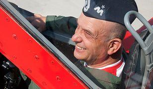 Tomasz Drewniak, generał brygady rezerwy. Były Inspektor Sił Powietrznych w Dowództwie Sił Powietrznych.