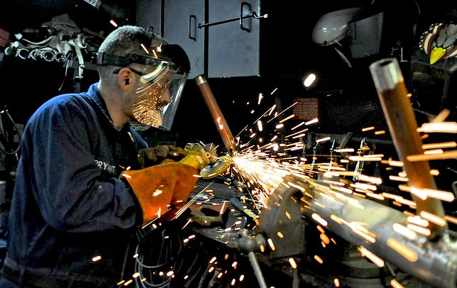 Dane podawane przez GUS dotyczą tylko części rynku pracy.