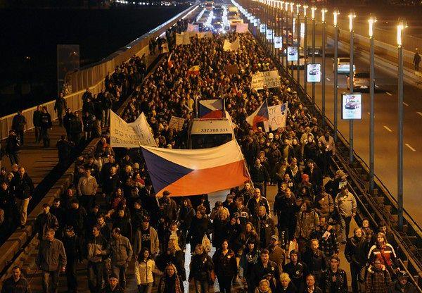 Rząd Czech dostał wotum zaufania