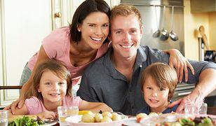 Zdrowa dieta dla całej rodziny składa się w głównej mierze z warzyw, kasz i nabiału, a zawiera niewiele mięsa