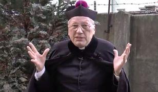 """""""Z diabłem się nie dyskutuje"""". Tak ksiądz Kneblewski odmówił nam wywiadu"""