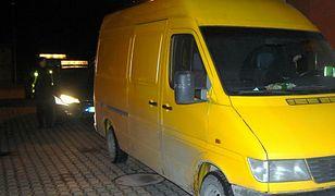 Bus z nielegalnymi imigrantami zatrzymany w Augustowie