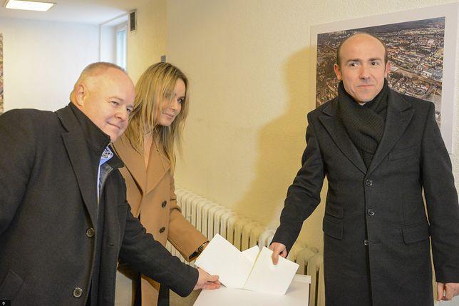Gliwice. Borys Budka oddaje głos w wyborach na szefa PO, 25 stycznia 2020 r.