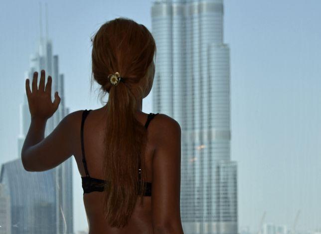 """Marcin Margielewski w """"Tajemnice hoteli Dubaju"""" przedstawia historię konsjerża z luksusowego hotelu"""