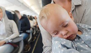 - Nikt nie powinien zabraniać matce mieć pokarm dla dziecka podczas lotu - tłumaczył rzecznik prasowy amerykańskich linii.