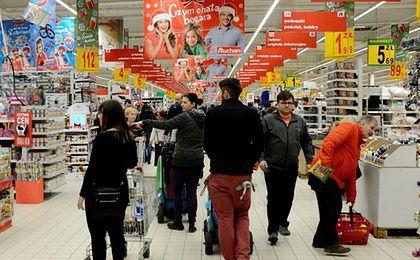 Zakaz handlu w niedziele. Ostra debata w Sejmie o polskość majtek