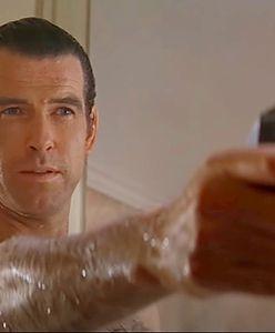 Za stary na Bonda. Dobry na superbohatera