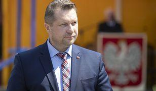 Przemysław Czarnek przyznał nagrody w resorcie. Chodzi o wielkie sumy