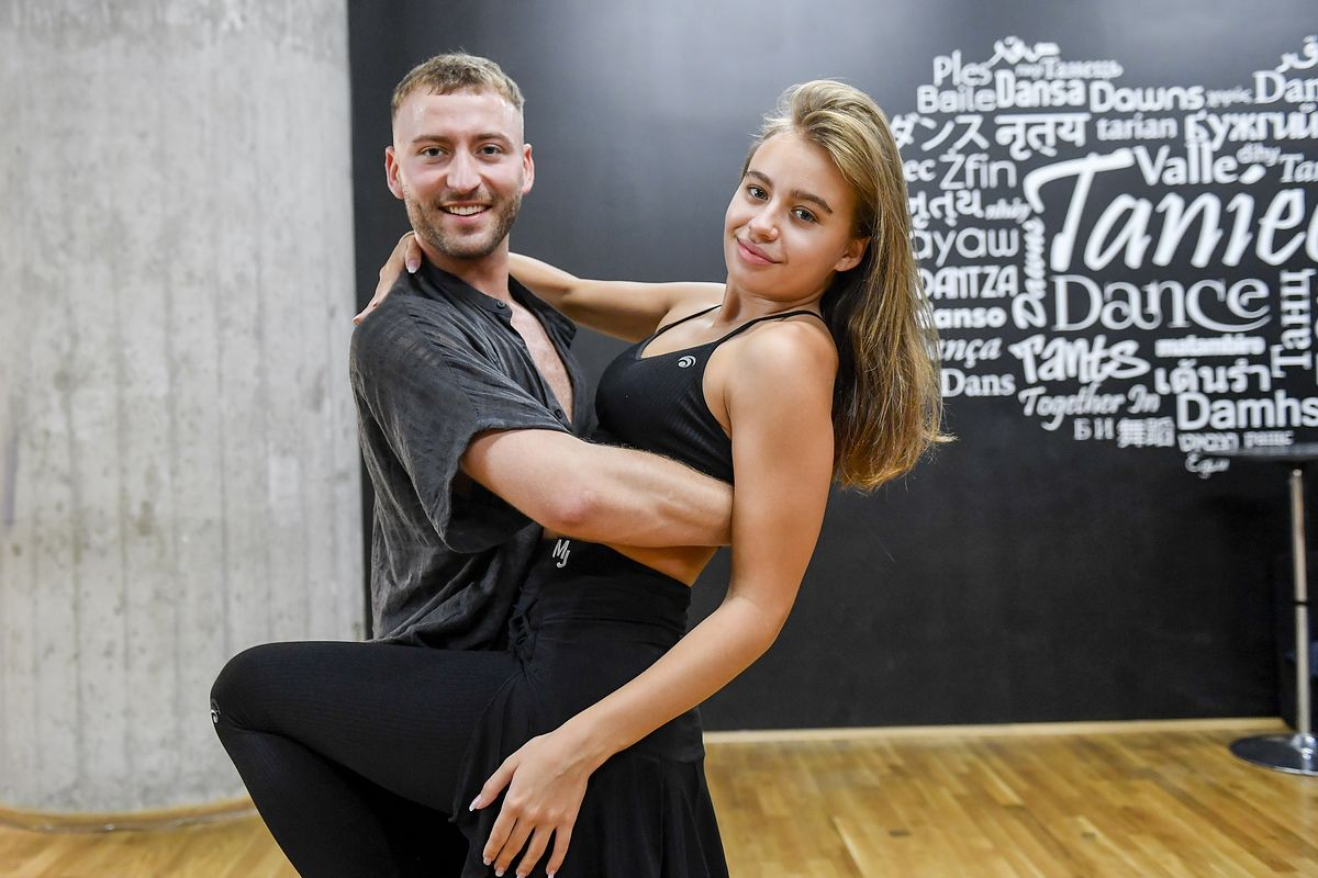 Oliwia Bieniuk z tanecznym partnerem Michałem Bartkiewiczem