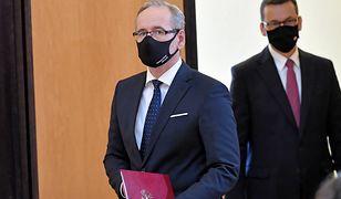 Konferencja premiera. Żółta strefa w całej Polsce. Wraca obowiązek noszenia maseczek w przestrzeni publicznej