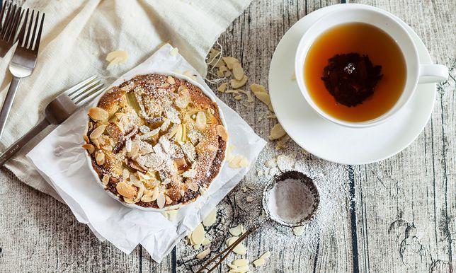 Ciasto z rabarbarem (zdjęcie ilustracyjne)