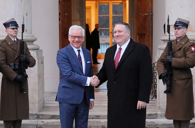 Jacek Czaputowicz i Mike Pompeo. Szef dyplomacji USA jako pierwszy przyleciał na konferencję