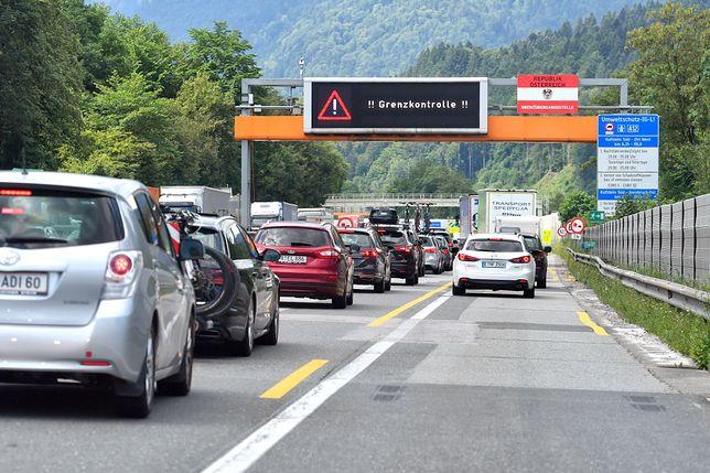 Austria. Autostrady, którymi jeżdżą również Niemcy, są bardziej zakorkowane