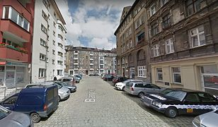 Wrocław. Na ul. Baryckiej 21-latek próbował przejechać jednego z policjantów