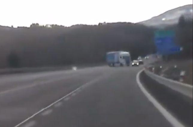 Kierowca samochodu osobowego ledwo uszedł z życiem