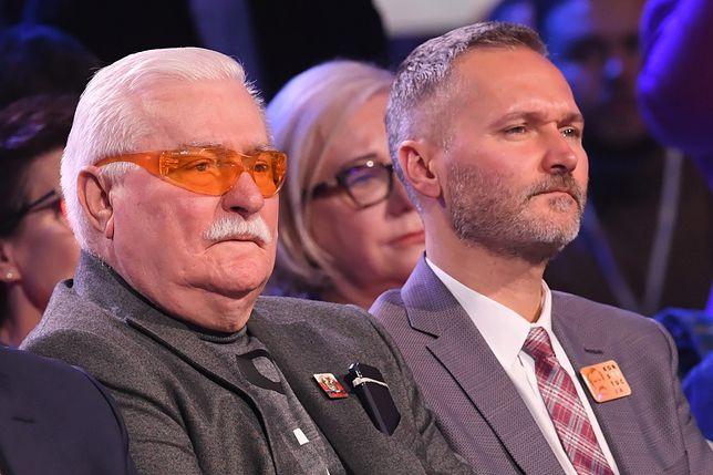 Były prezydent RP Lech Wałęsa i jego syn Jarosław Wałęsa podczas konwencji wyborczej KO