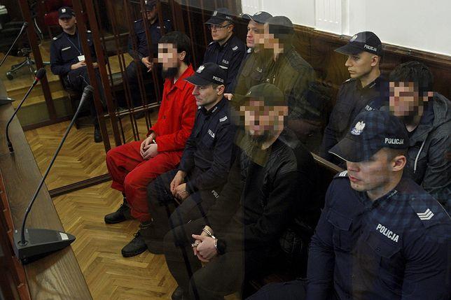 Oskarżeni na sali sądowej w Białymstoku w październiku 2016 r.