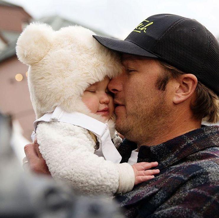 Żona Bode Millera pokazała zdjęcie zmarłej córeczki. Ostrzega rodziców