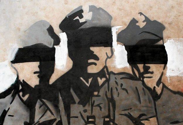 """Przemalowali mural """"Żołnierze wyklęci"""" na """"Żołnierze przeklęci"""""""