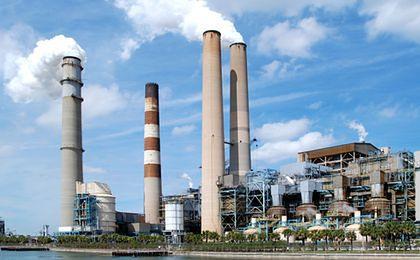 Rezerwa na CO2 obniży wynik ZE PAK za '13 r. o ok. 121,5 mln zł