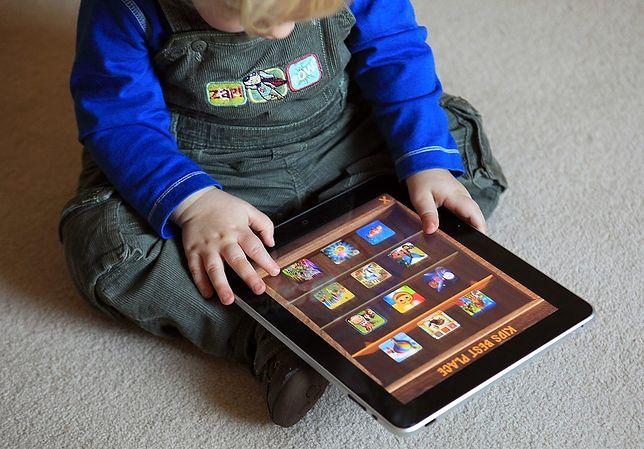 Przeczytaj fragment książki ''Cyfrowi rodzice''