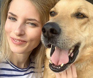Aleksandra Prykowska z adoptowanym psem, który później ją zaatakował