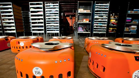 Roboty we wrocławskim centrum Amazonu, dla magazynierów bezrobocie?