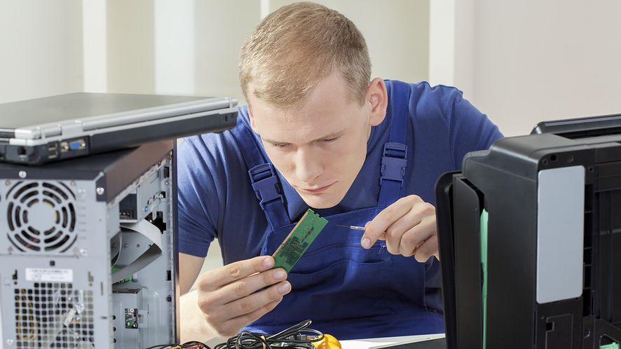 Więcej RAM nie zawsze znaczy lepiej. Taniej i wydajniej może być z pamięcią flash