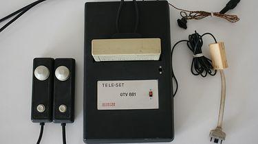 Unitra Unimor Tele-Set GTV 881 – najstarsza polska konsola do gier i jedna z pierwszych na świecie - Fot: Allegro