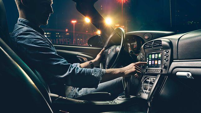 Apple CarPlay w klasycznym Porsche, fot. materiały prasowe.