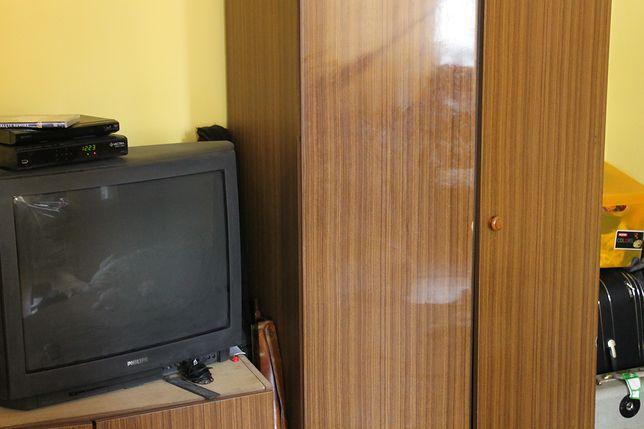 Poszukiwany ukrył się w szafie