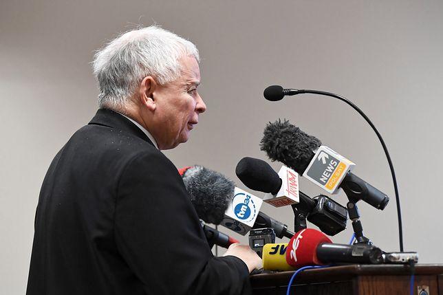 Prezes PiS Jarosław Kaczyński na sali Sądu Okręgowego w Gdańsku