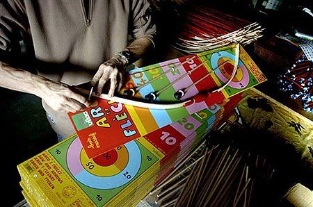 Parasolki, lalki, ołówki, figurki, klocki - wszystko z drewna i wszystko dla dzieci. Francuska fabryka Vilac w Moirans-en-Montagne specjalizuje się w takich właśnie wyrobach.
