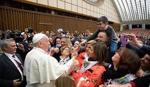 Dzieci z Kliniki Onkologicznej we Wrocławiu odwiedziły w Watykanie papieża Franciszka