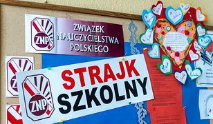 Burmistrz Sokółki nakazał zdjęcie ze szkół flag ZNP