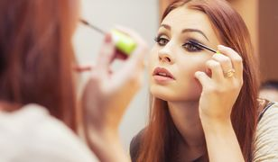 Makijaż na studniówkę możesz wykonać samodzielnie w domu